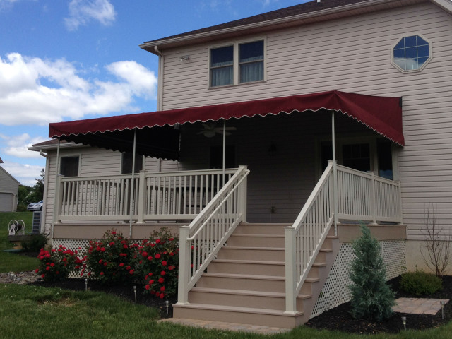 Deck canopy with venting in side wings