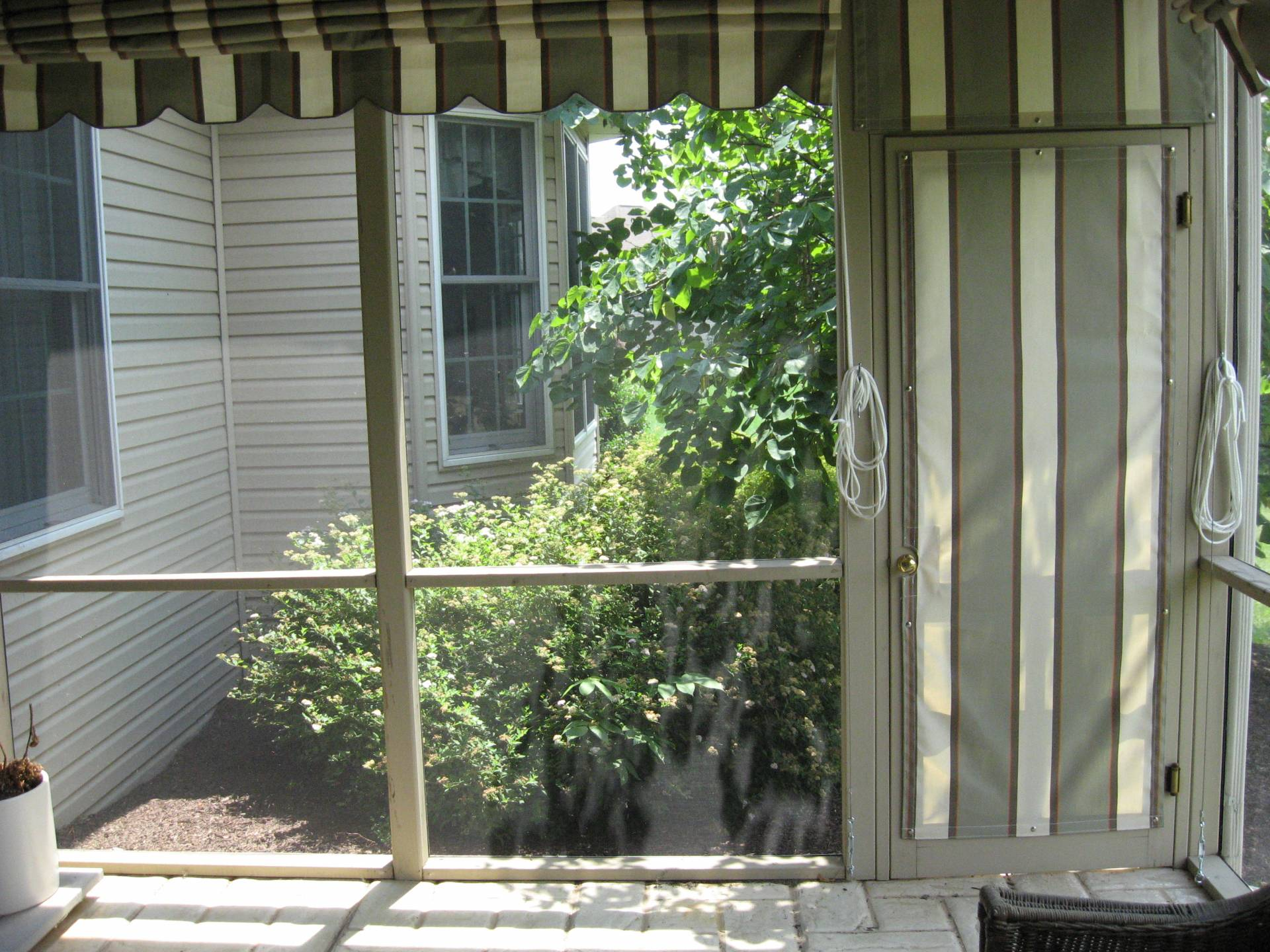 privacy curtains for your screen porch kreider 39 s canvas service inc. Black Bedroom Furniture Sets. Home Design Ideas