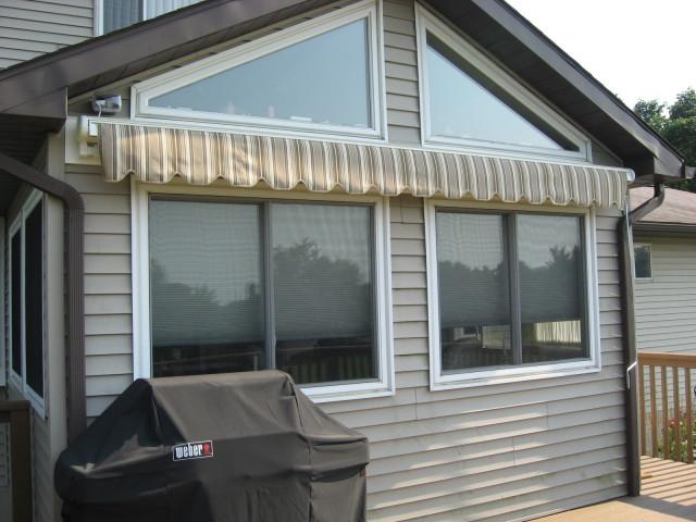 Retractable awning | Kreider's Canvas Service, Inc.