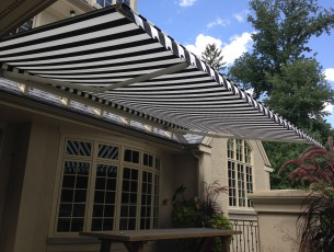 Roof Mounted Eastern retractable awning