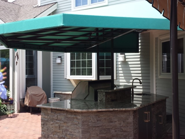Outdoor kitchenawning