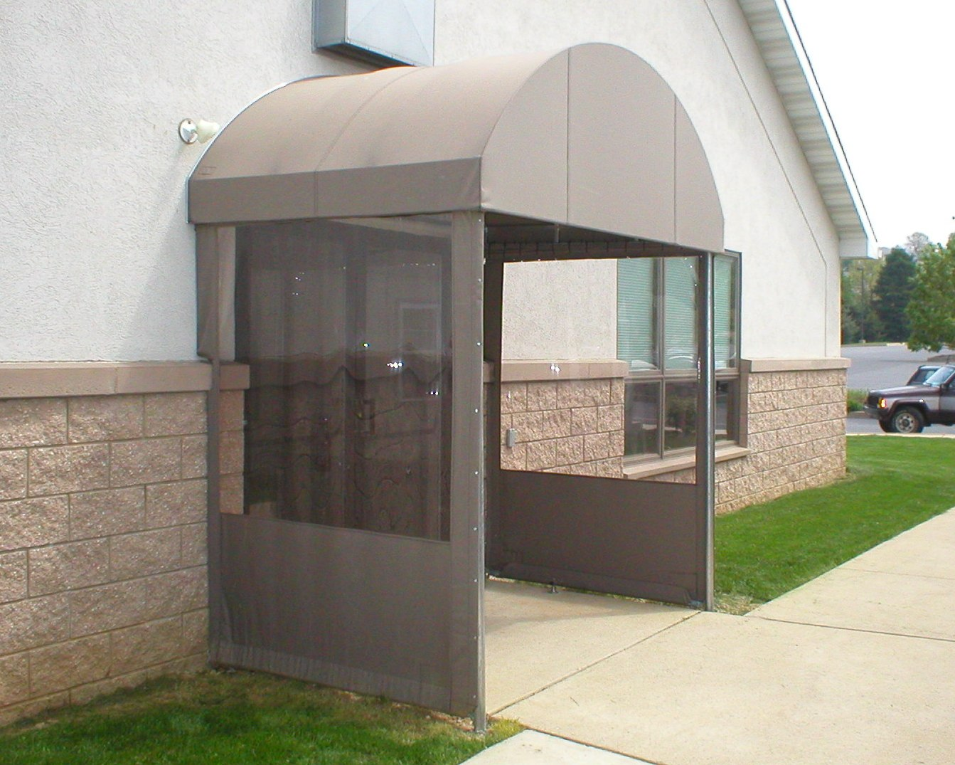 Rounded Top Entrance Canopy With Vestibule Sides Kreider