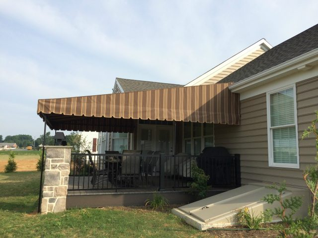 Deck shade canopy
