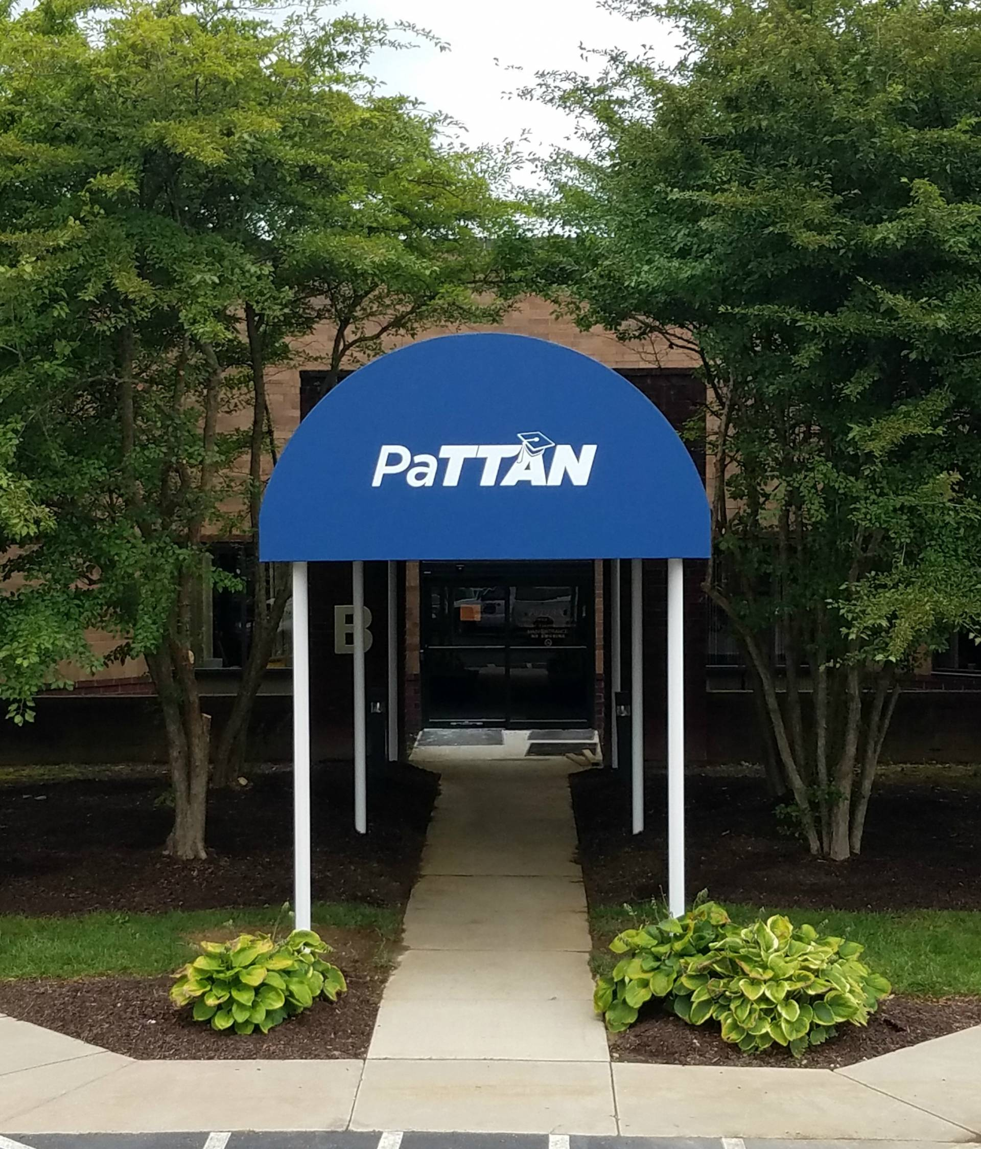 Pattan Walkway Canopy Kreider S Canvas Service Inc